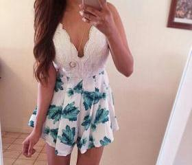 Cute floral hot lace..