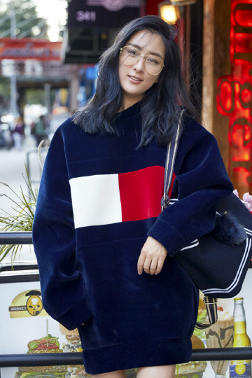 Leisure hooded Navy blue sweater