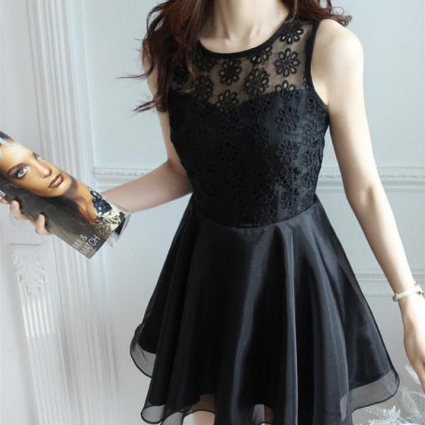 Cue lace show body cute dress high quality