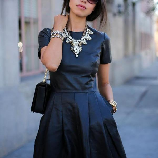 HOT BLACK SHORT SLEEVE DRESS